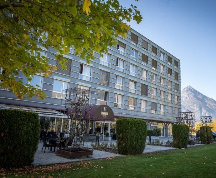 在瑞士学习酒店管理课程,我们选择瓦岱勒!