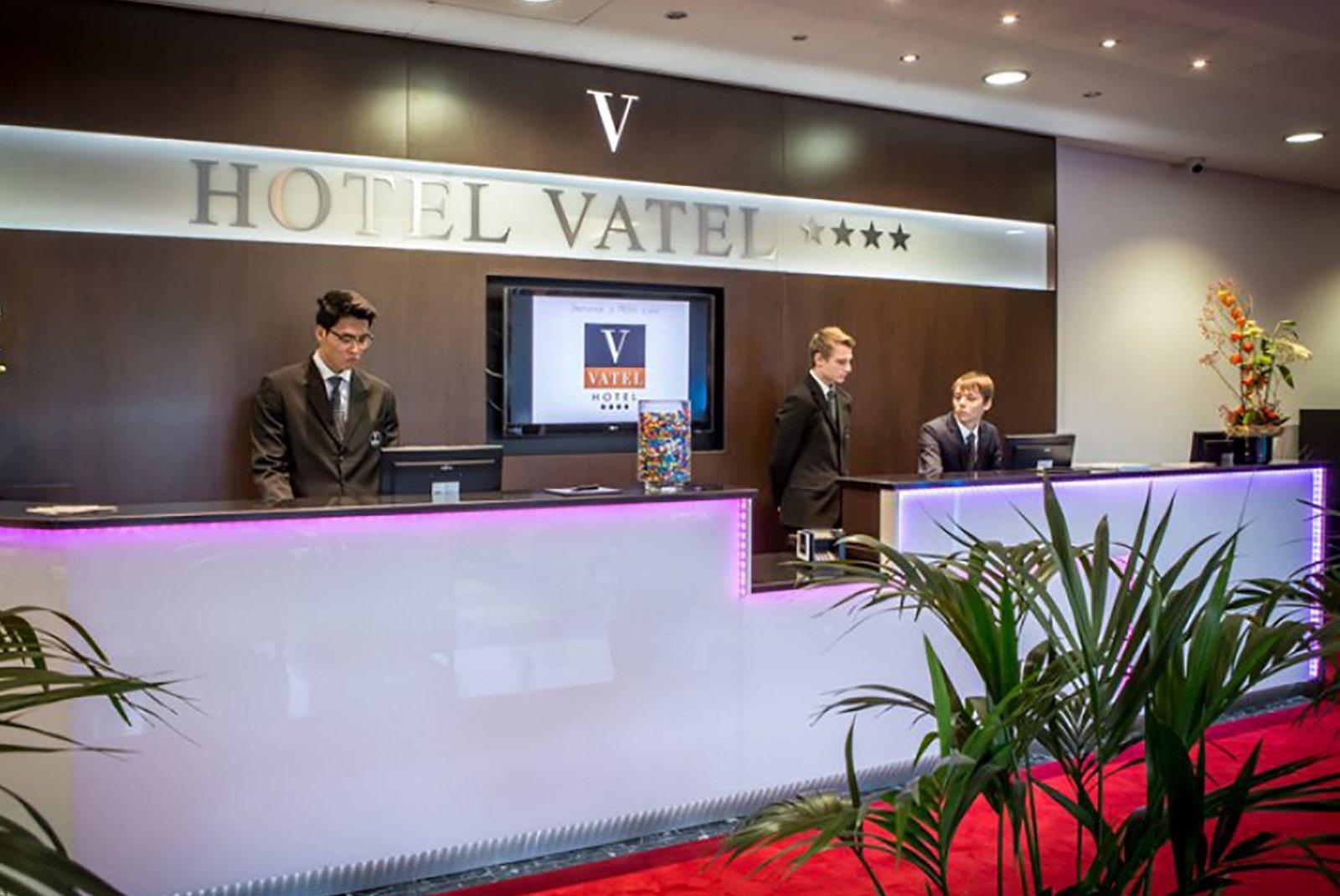 校区内有四星级酒店,在瑞士史无前例